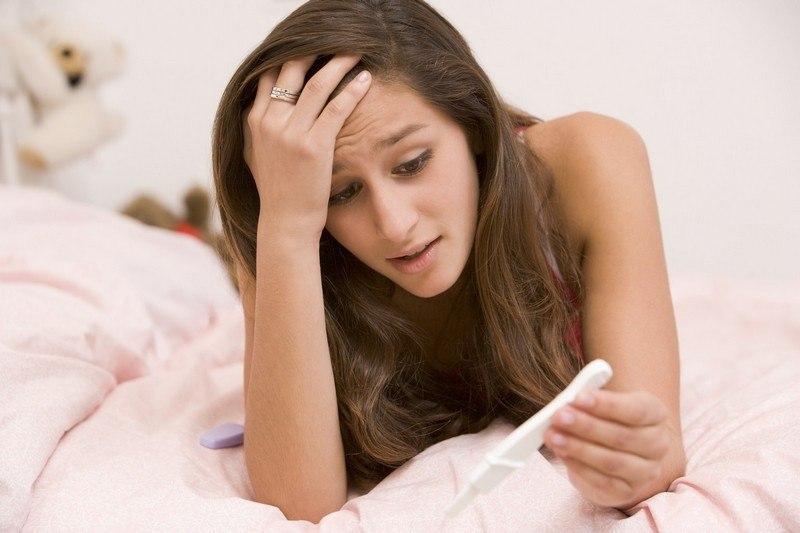 Можно ли забеременеть девушке от смазки мужчины, парня, выделений, слизи? Почему можно забеременеть от мужских выделений и высока ли вероятность беременности?